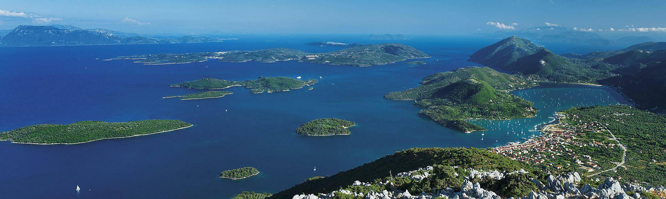 http://fractalart.gr/wp-content/uploads/2014/05/Meganissi_archipelago.jpg