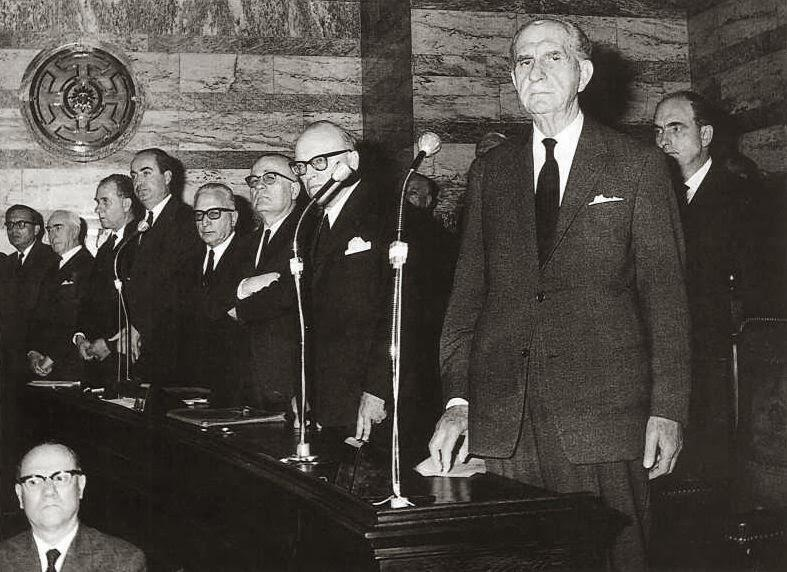 Ο Γ. Παπανδρέου στην κυβέρνηση το 1963, αλλά όχι και στην εξουσία