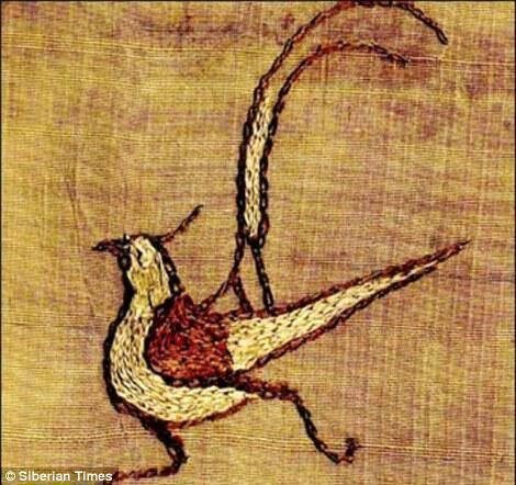 Ένα λεπτοδουλεμένο κέντημα ενός πουλιού που βρέθηκε σε ύφασμα Pazyryk