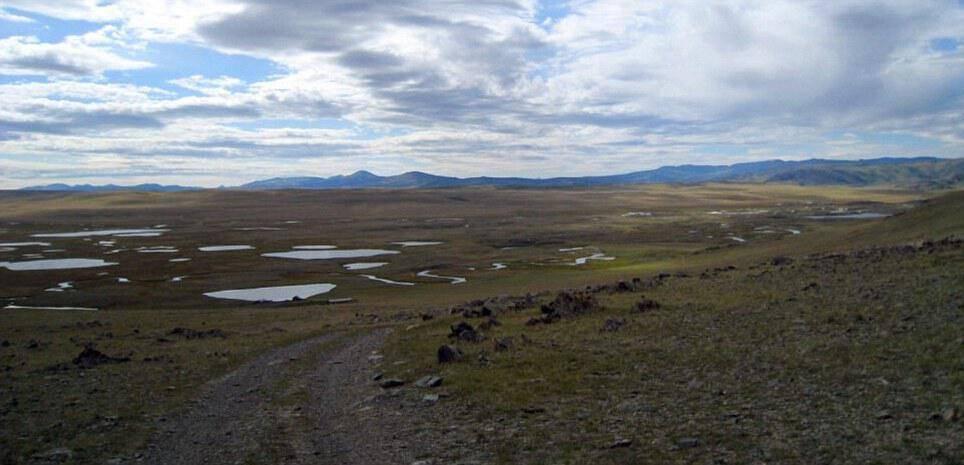 Το οροπέδιο Ukok , στα Αλτάια όρη, όπου ανακαλύφθηκαν η πριγκίπισσα Ukok και δύο πολεμιστές . Οι σοροί τους περιβάλλονταν από έξι άλογα, διάφορα προσφορές σε τροφίμα και μια σακούλα κάνναβης