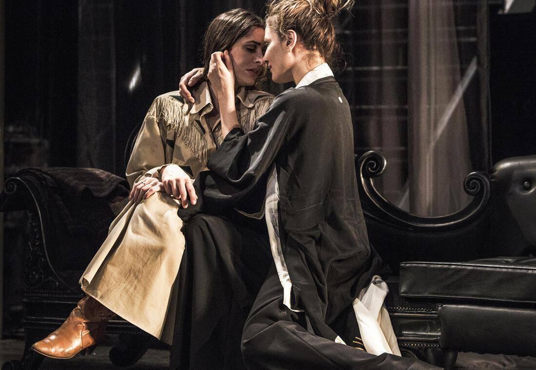 Έντα Γκάμπλερ - Θέατρο Σημείο (2)