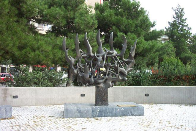 Μνημείο στην Πλατεία Ελευθερίας για τους Εβραίους της Θεσσαλονίκης που εξοντώθηκαν στα Ναζιστικά στρατόπεδα συγκέντρωσης